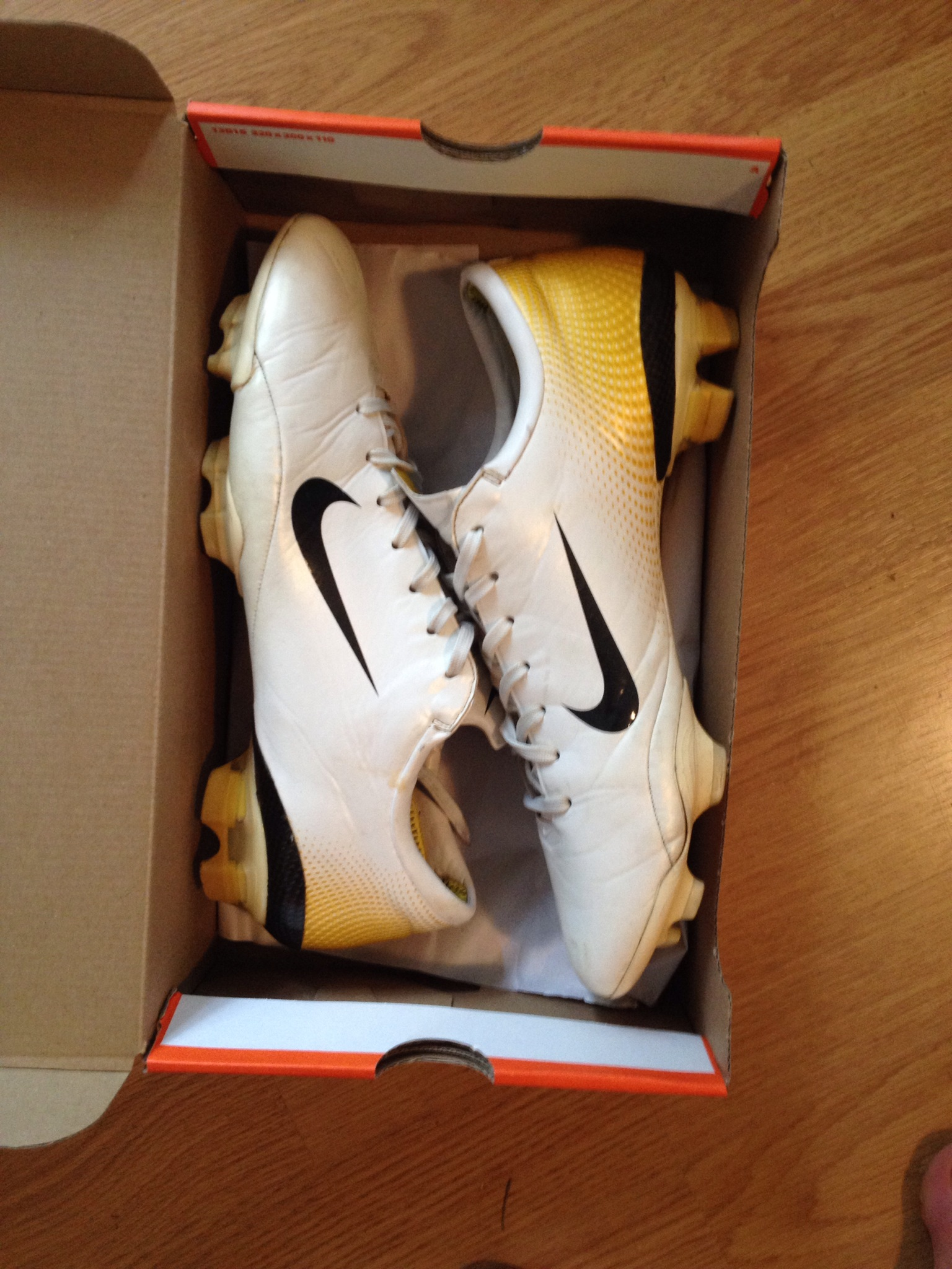 newest 98a62 9c755 nike mercurial vapor white and gold