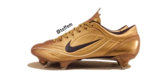 pretty nice 70860 09083 Finally added this great pair to my collection! Made back in 2004, Nike  Mercurial Vapor II Sg in rare gold colourway.