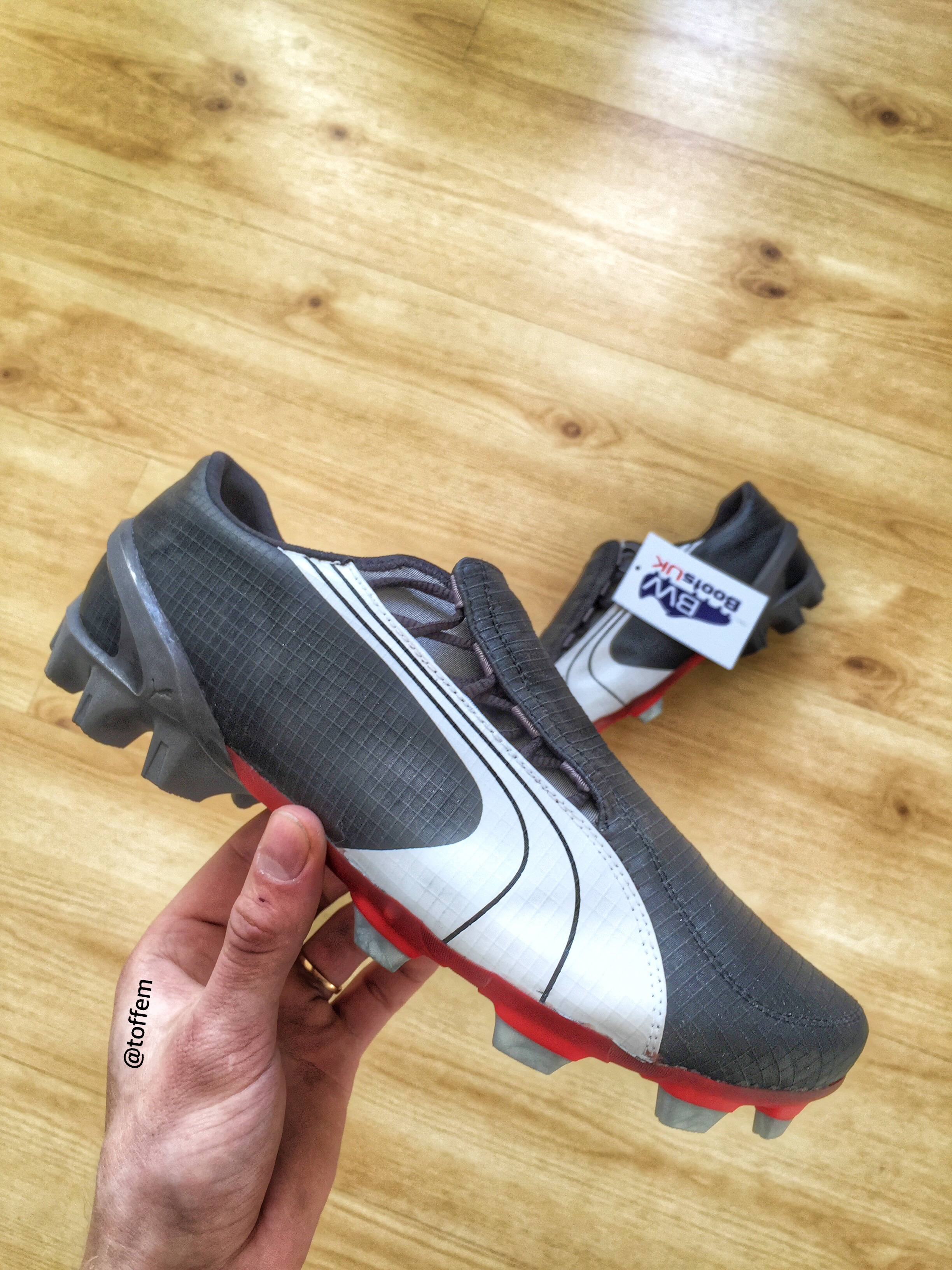 acca29778073 Some great players wore them such as Samuel Eto o