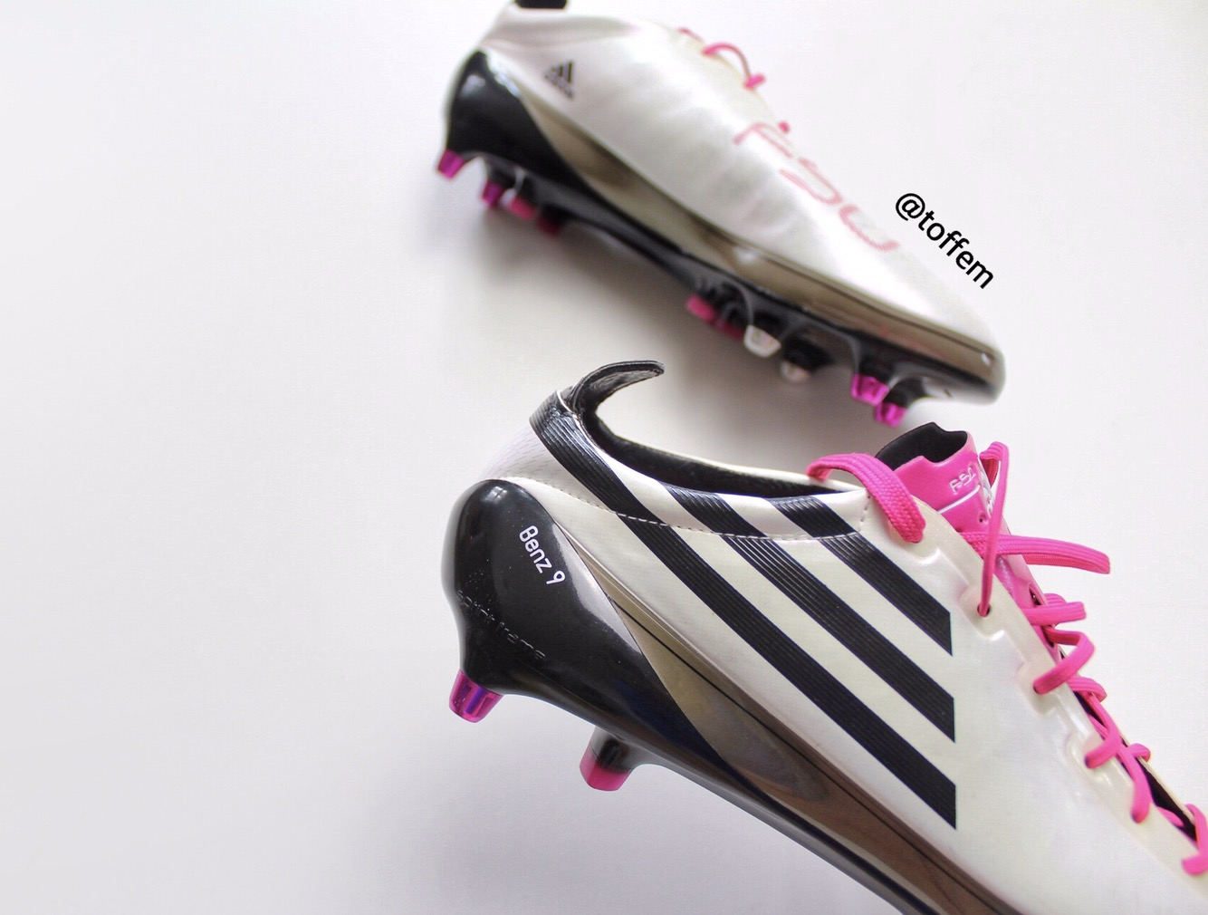 193936c39 I m also happy that these specific boots are the first edition of the  Adidas F50 Adizero range and in the cool white black pink colourway.
